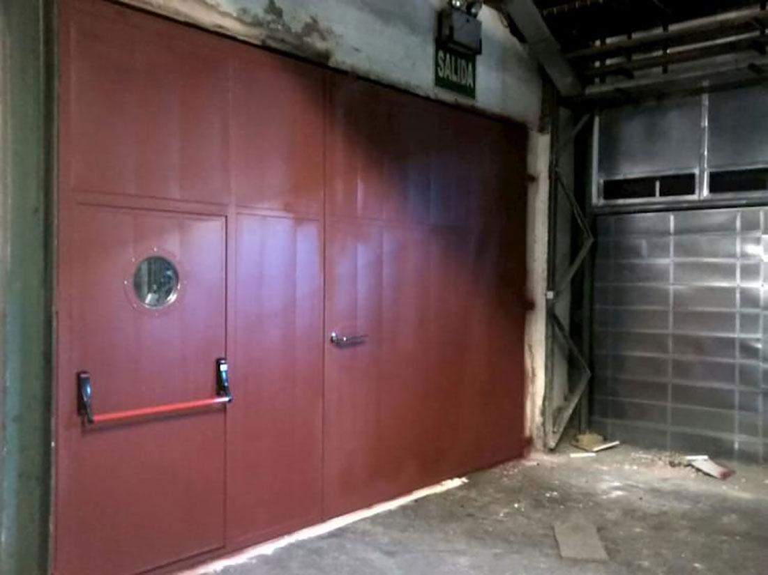 Instalación de puerta acústica en Burgos