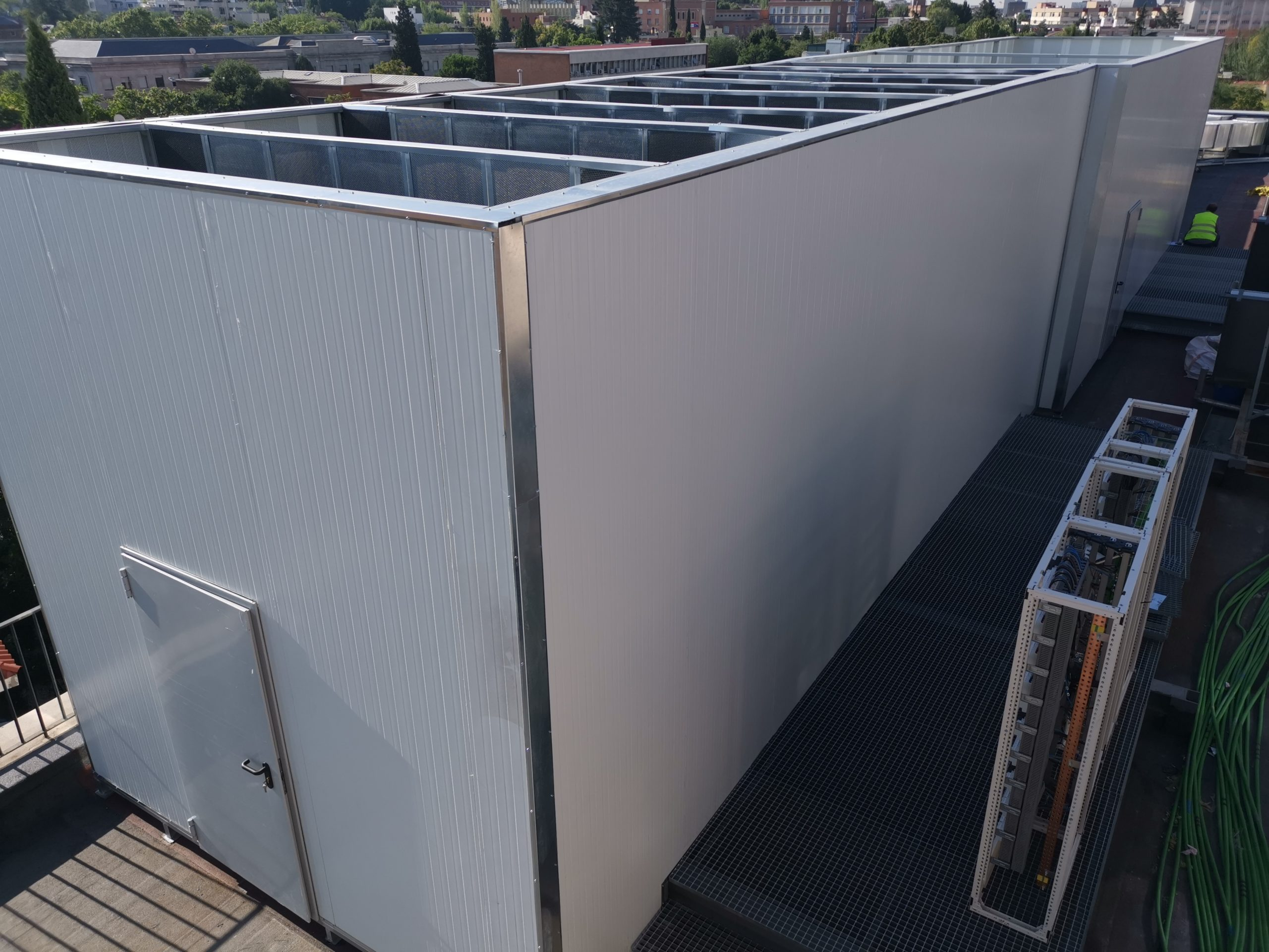 Instalación de cabina acústica en Madrid